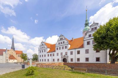 Foto zu Meldung: Schloss Doberlug am Denkmaltag von oben entdecken
