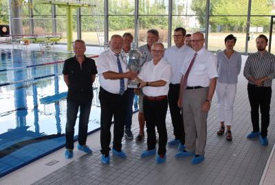 Foto zur Meldung: Pokalübergabe an die Ausrichterstadt Görlitz