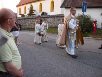 Foto zur Meldung: Fahrzeugsegnung in der Pfarreiengemeinschaft Moosbach, Prackenbach-Krailing