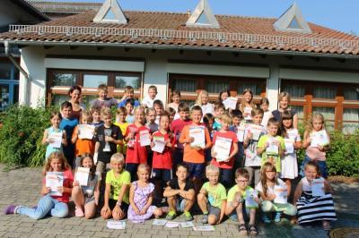 Foto zur Meldung: Die Grundschule ehrte die besten Sportler – 6 Schulbeste ausgezeichnet