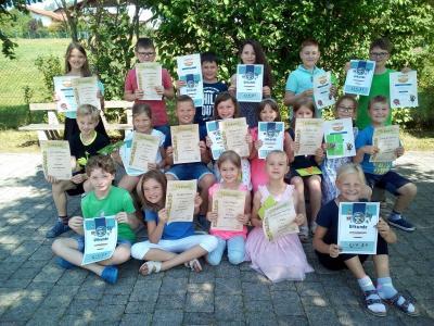 Foto zur Meldung: Siegerehrung an der Grundschule: Vorlesewettbewerb, Antolin und Zahlenzorro