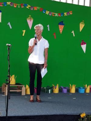 Foto zur Meldung: Einschulungsfeier der Schule im Grünen