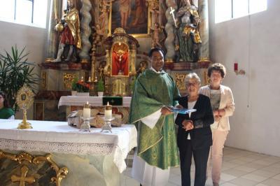 Foto zur Meldung: Verabschiedung von der Urlaubsvertretung Pater Bettoy Kalathinal