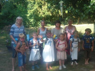 Vorschaubild zur Meldung: Ritterspiele im Kastanienstübchen – Abschlussfest der Schulanfänger in Carmzow