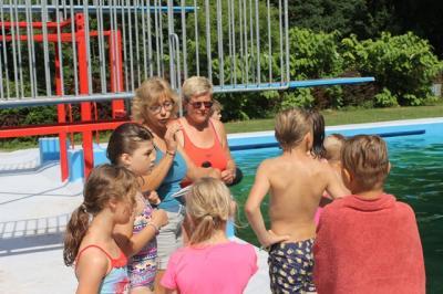 Vorschaubild zur Meldung: Schwimmlager Klasse 2