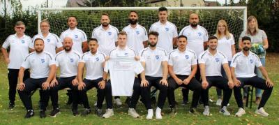 Die 1. Mannschaft des SV Mackensen in den neuen T-Shirts