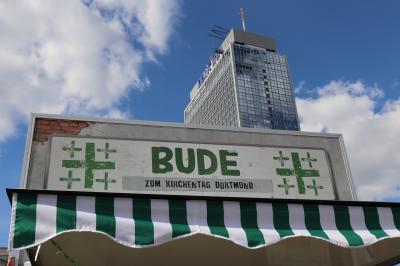 Vorschaubild zur Meldung: Viel los anne Bude