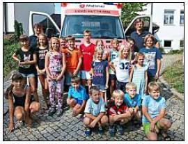 Vorschaubild zur Meldung: Kinder untersuchten den Rettungswagen