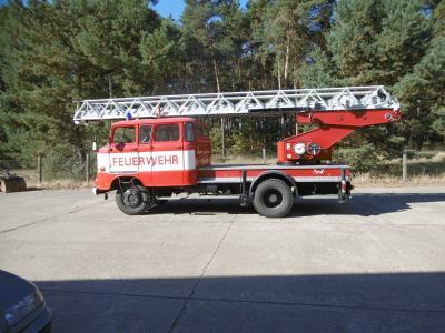Foto zu Meldung: Fahrzeugdrehleiter DL 30- W50 zu verkaufen
