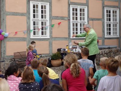 Foto zu Meldung: Bibliotheksfest mit Joachim Hecker