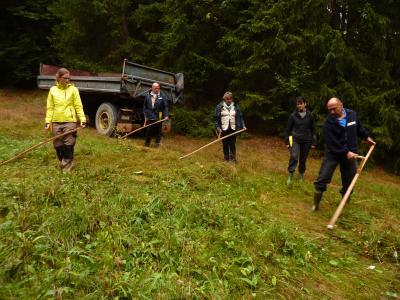 Vorschaubild zur Meldung: Thüringisch-fränkische Gemeinschaftsaktion: Sensentag in Rodacherbrunn
