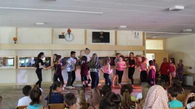 Vorschaubild zur Meldung: Tänzerische Reise um die Welt