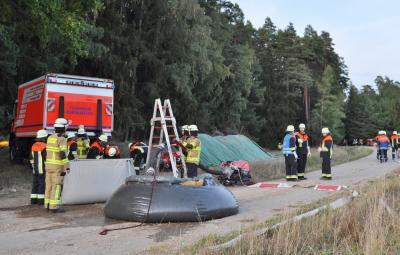 Vorschaubild zur Meldung: Angenommener Waldbrand - Feuerwehraktionswoche 2018