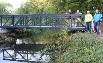 Vorschaubild zur Meldung: Die Brücke über die Au ist fertig