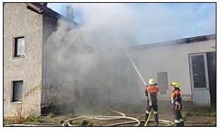 Vorschaubild zur Meldung: Feuerwehr meistert Werkstattbrand
