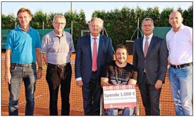 Vorschaubild zur Meldung: 1000 Euro für neuen Tennis-Rollstuhl