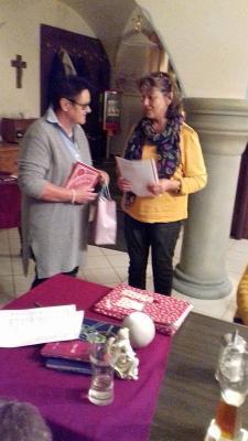 Foto zur Meldung: Monatsversammlung mit Rosenkranz beim Kath. Frauenbund
