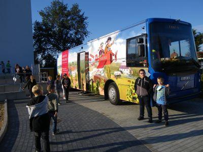 Foto zur Meldung: 25 Jahre Bücherbus und wir durften mitfeiern!!!