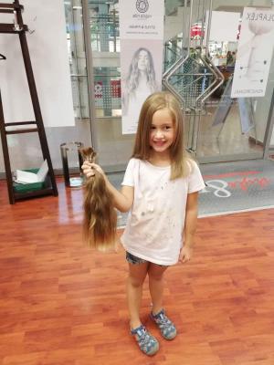 Vorschaubild zur Meldung: Schnipp, schnapp Haare ab – Haarspende für einen guten Zweck