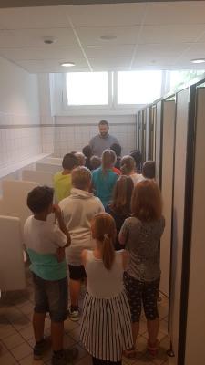 Vorschaubild zur Meldung: Toilettentraining in der 3. Klasse