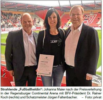 """Vorschaubild zur Meldung: Ausgezeichnet Johanna Maier """"Fußballheldin"""""""