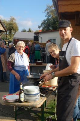 Foto zur Meldung: Dorfflohmarkt voller Erfolg