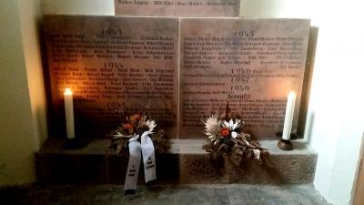 Foto zu Meldung: Andachten mit Kranzniederlegung am Volkstrauertag 18.11.2018