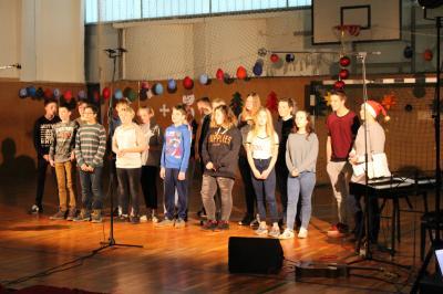 Foto zur Meldung: Traditionelles Schulweihnachtsprogramm