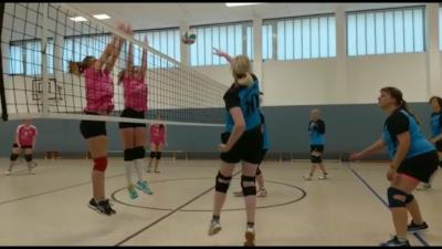Foto zur Meldung: Volleyballerinnen erkämpften zu Hause 6 Punkte