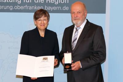 Vorschaubild zur Meldung: Ehrung 2. Bürgermeister Reinhard Wölfel