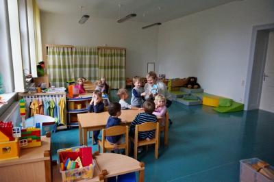 Foto zur Meldung: Saalhausener Kinder fühlen sich im Ersatzquartier im Bürgerhaus Freienhufen wohl