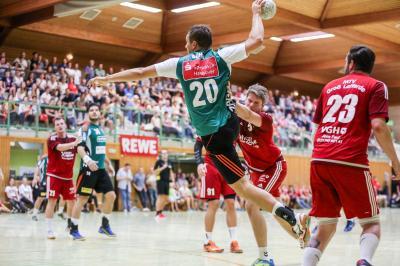 Volle Ränge soll es auch wieder Sonntagmittag im Verbandsligaspiel gegen Heidmark geben. Steffen Slabon (Nr. 23) wird dann schon am anderen Ende der Welt in Neuseeland weilen, Sebastian Meyer (Nr. 5) spielt tagszuvor in der 2. Herren.