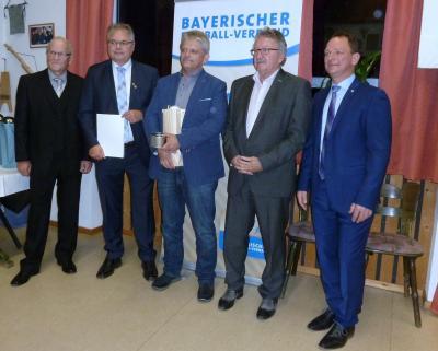 (von links) Kreisvorsitzender (Hof, Tirschenreuth, Wunsiedel) Siegfried Tabbert, Bezirksvorsitzender Oberfranken Thomas Unger, Ralph Dollak, Stellvertretender Landrat (Wunsiedel) Roland Schöffel, Bürgermeister von Hohenberg Jürgen Hoffmann.