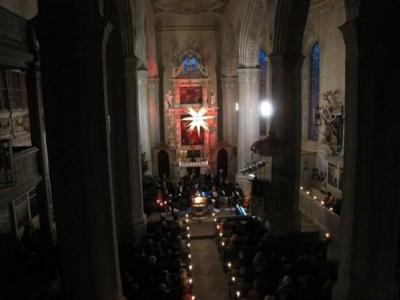 Foto zur Meldung: Adventskonzert im Kerzenschein