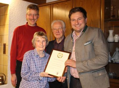 Foto zu Meldung: Zum 80. Geburtstag von Karin Marianne Schäfer