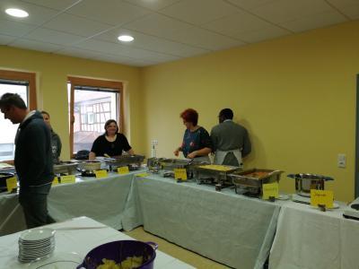 Foto zur Meldung: Europäisch-Afrikanischer Mittagstisch