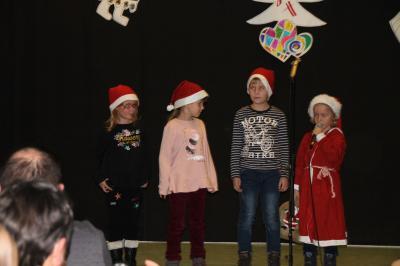 Vorschaubild zur Meldung: Vorweihnachtliche Stimmung in der Oberschule mit Grundschulteil Glöwen