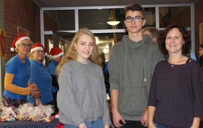 Foto zur Meldung: Spenden für Schülervertreter