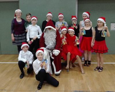 Vorschaubild zur Meldung: Tanzsport: Ein Weihnachtsmann zum Anfassen