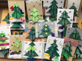 Foto zur Meldung: Die Weihnachtskartenmacherei der MS Elchingen