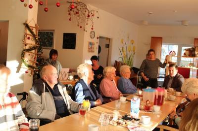 Vorschaubild zur Meldung: Weihnachtsfeier in der Tagespflege-Einrichtung bei Peter Kuhn