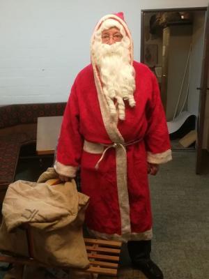 Foto zur Meldung: Der Weihnachtsmann im Schützenheim