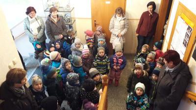 Kinder der Kita Kriebethal zum Weihnachtssingen