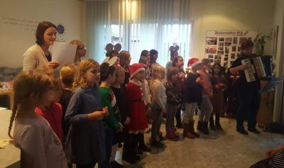 Foto zur Meldung: Weihnachtssingen für Senioren