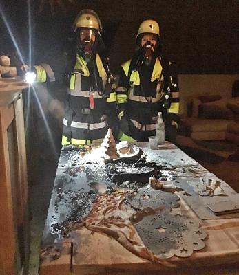 Vorschaubild zur Meldung: Tipps der Feuerwehr gegen Brände von Adventskränzen und Christbäumen