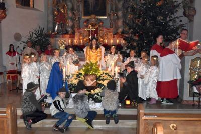 Foto zur Meldung: Krippenspiel und Christmette in der Pfarrkirche St. Johannes