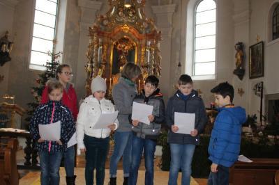 Vorschaubild zur Meldung: 4. Advent in Prackenbach- Familiengottesdienst mit Solo-Sänger
