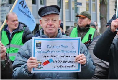 Vorschaubild zur Meldung: kämpferischer Jahresauftakt mit Demo vor der Staatskanzlei