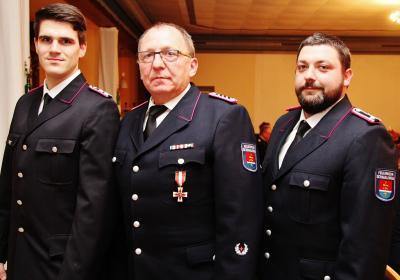 Foto zur Meldung: Feuerwehr-Führung unverändert – Ehrung für Sönke Jens