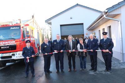 Foto zur Meldung: Neues Zuhause für Feuerwehr und Dorfgemeinschaft in Saßleben eröffnet